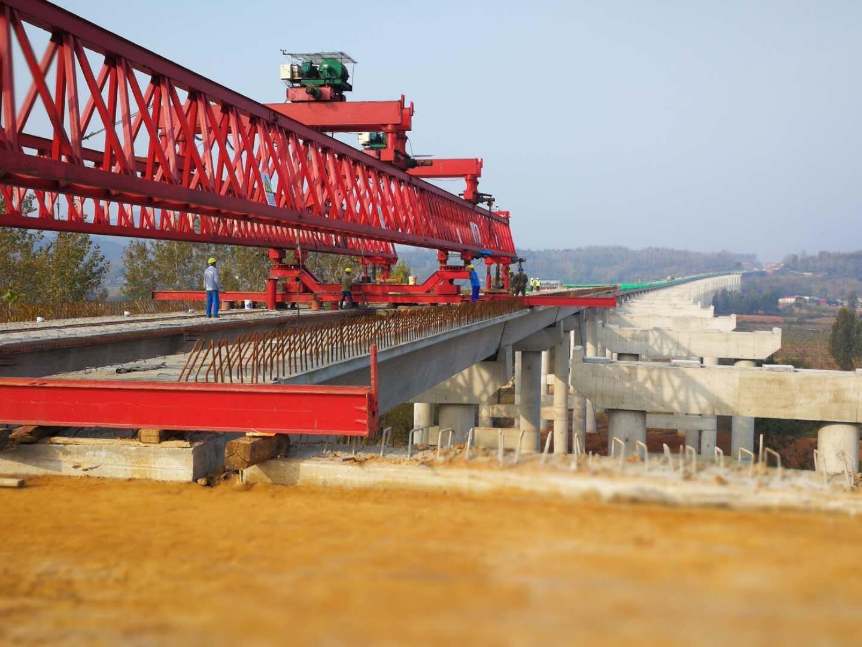 监理公司10.19周南项目提前完成御皇庙特大桥左幅梁板安装.jpg
